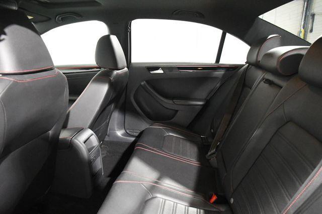 2016 Volkswagen Jetta 2.0T GLI SE photo