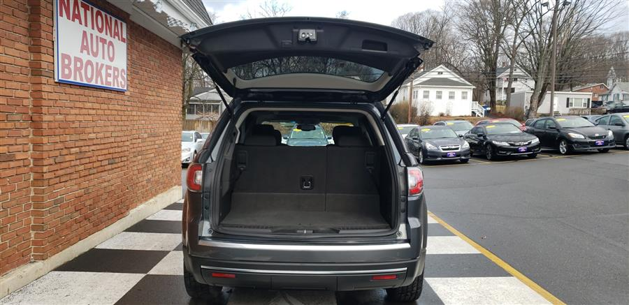 Used GMC Acadia AWD 4dr SLE-2 2013 | National Auto Brokers, Inc.. Waterbury, Connecticut