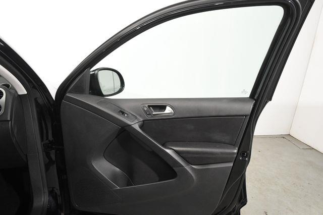 2017 Volkswagen Tiguan Limited w/ Heated Leather Seats photo