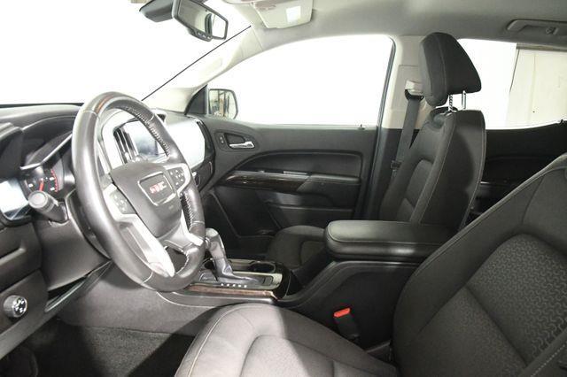 2016 GMC Canyon 4WD SLE w/ Navigation photo