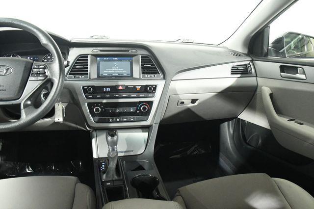 2017 Hyundai Sonata SE photo