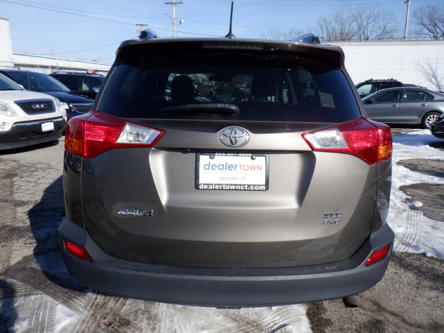 Used Toyota RAV4 AWD 4dr XLE (Natl) 2013   Dealertown Auto Wholesalers. Milford, Connecticut