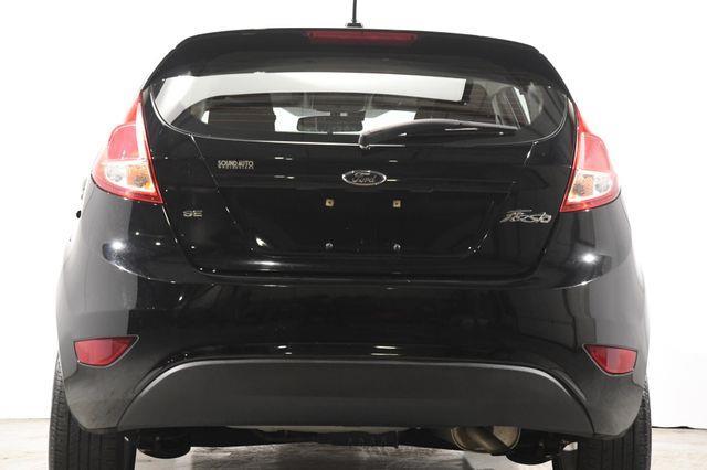 2016 Ford Fiesta SE w/ Heated Seats photo