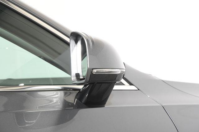 2018 Volvo S90 Momentum w/ Nav/ Blind Spot/ S photo