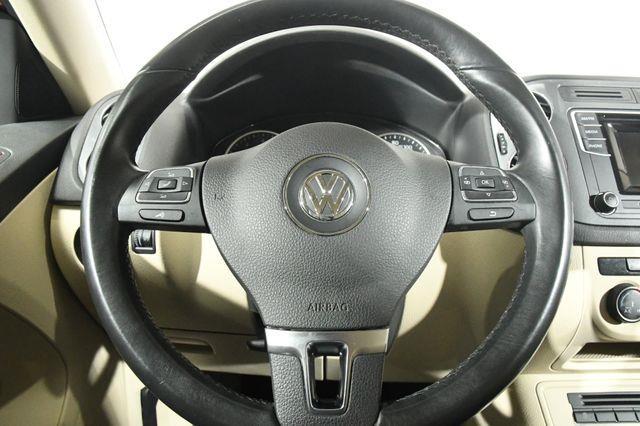 2016 Volkswagen Tiguan S photo