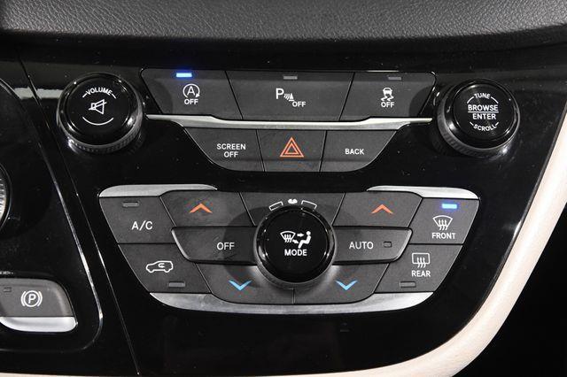 2017 Chrysler Pacifica Touring-L w/ DvD/ Nav/ Blind S photo