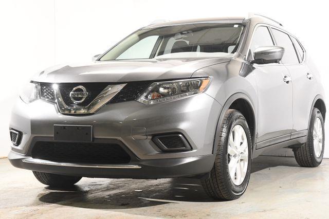 The 2016 Nissan Rogue SV w/ Nav / Tech1 photos