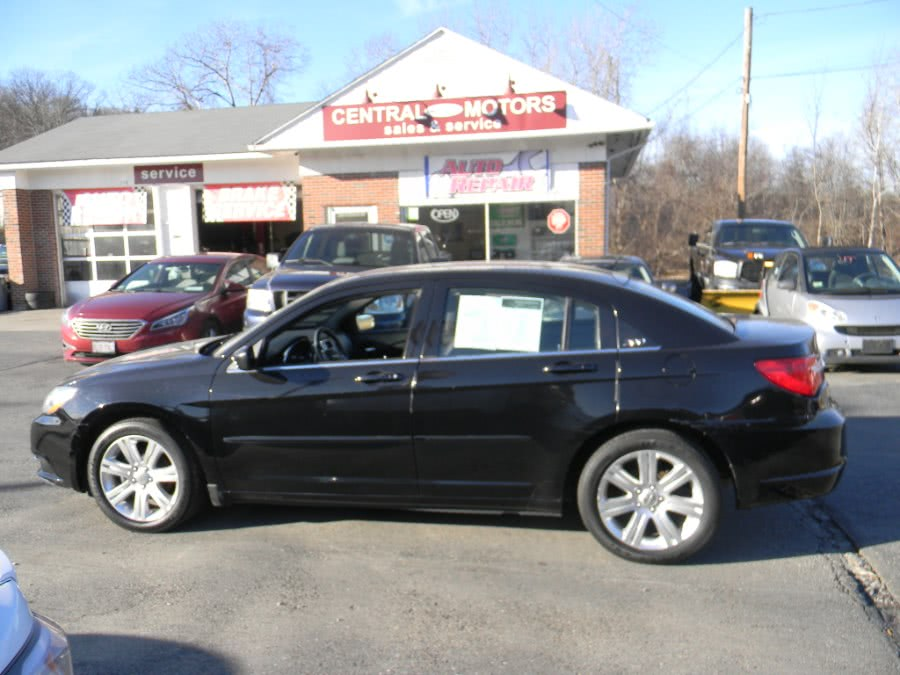 Used 2013 Chrysler 200 in Southborough, Massachusetts | M&M Vehicles Inc dba Central Motors. Southborough, Massachusetts