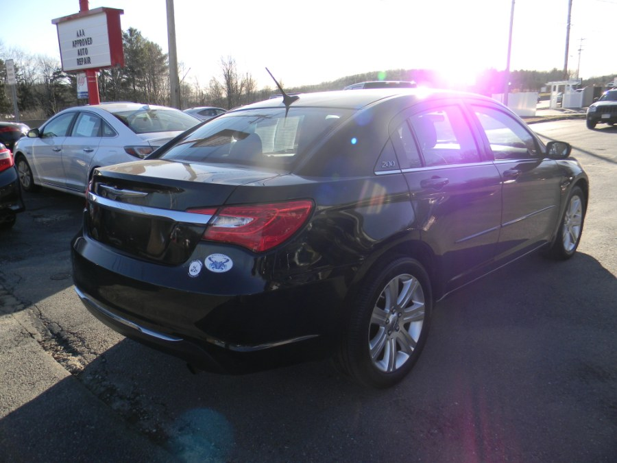 Used Chrysler 200 4dr Sdn Touring 2013 | M&M Vehicles Inc dba Central Motors. Southborough, Massachusetts