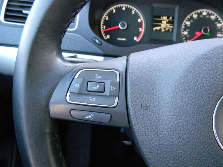 Used Volkswagen Jetta Sedan 4dr Auto SEL w/Sunroof PZEV 2011 | DZ Automall. Paterson, New Jersey