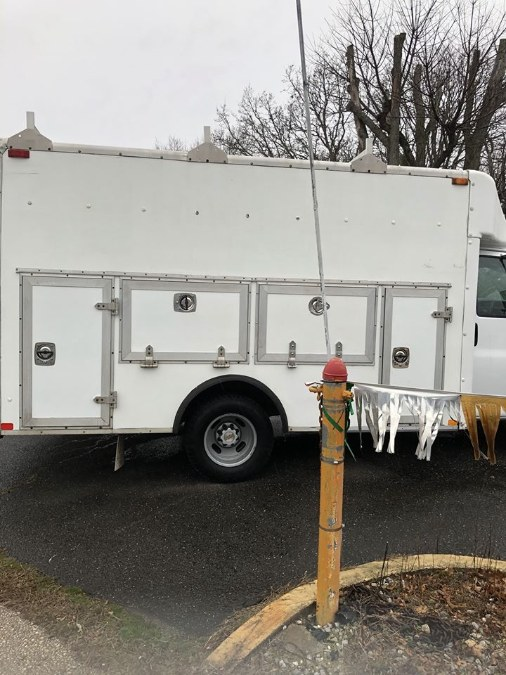 "Used Chevrolet Express Commercial Cutaway 139"" WB C7A DRW 2005 