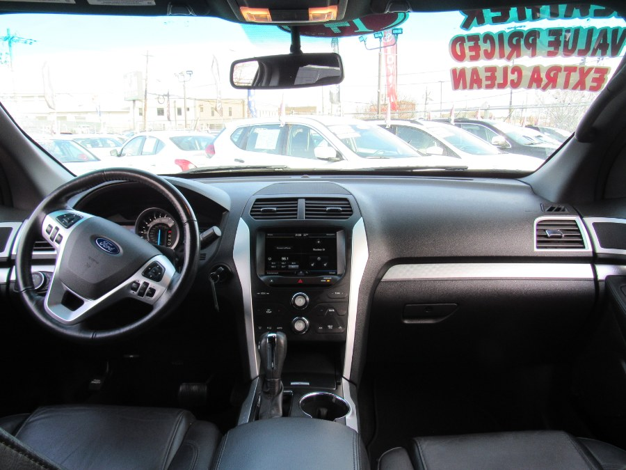 Used Ford Explorer 4WD 4dr XLT 2014 | NJ Used Cars Center. Irvington, New Jersey