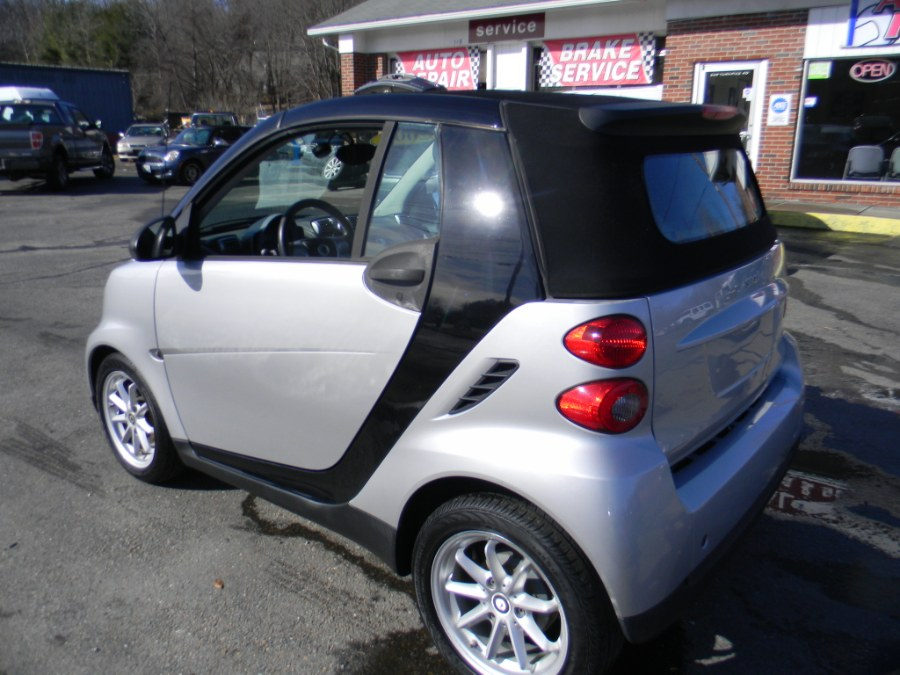 Used Smart fortwo 2dr Cabriolet Passion 2009 | M&M Vehicles Inc dba Central Motors. Southborough, Massachusetts