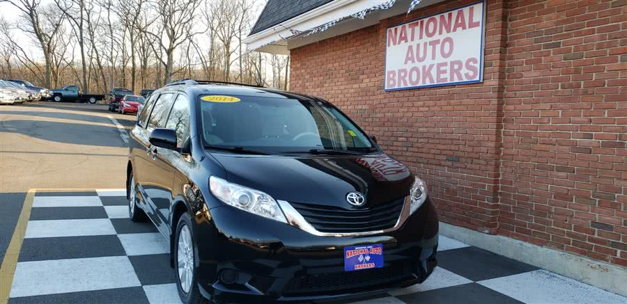 Used Toyota Sienna 5dr 7-Pass Van V6 LE AWD 2014 | National Auto Brokers, Inc.. Waterbury, Connecticut