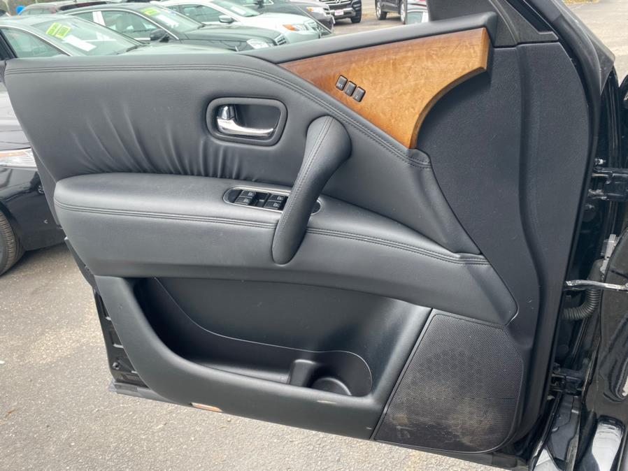 Used Infiniti QX56 4WD Rear Entertainment System 2011 | Rite Cars, Inc. Lindenhurst, New York