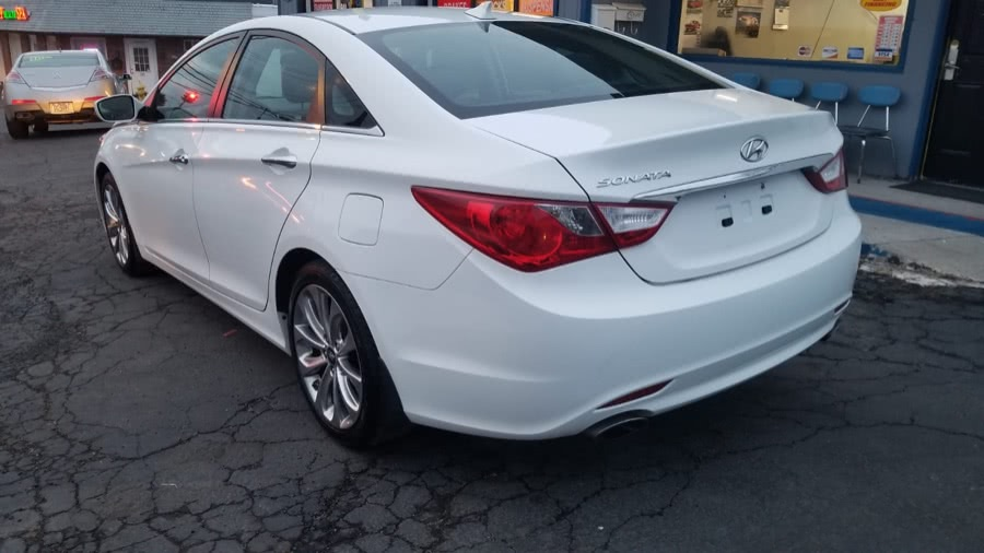 Used 2012 Hyundai Sonata in Milford, Connecticut | Adonai Auto Sales LLC. Milford, Connecticut