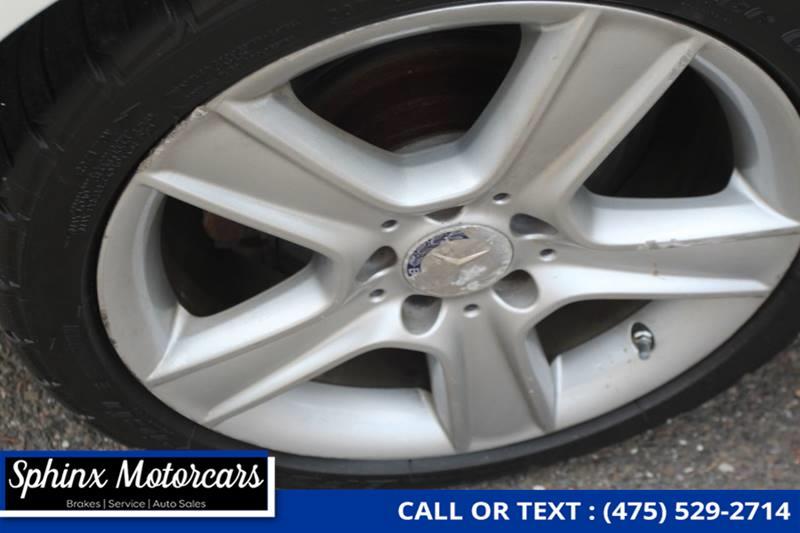 Used Mercedes-benz C-class C 300 Luxury 4MATIC AWD 4dr Sedan 2010 | Sphinx Motorcars. Waterbury, Connecticut
