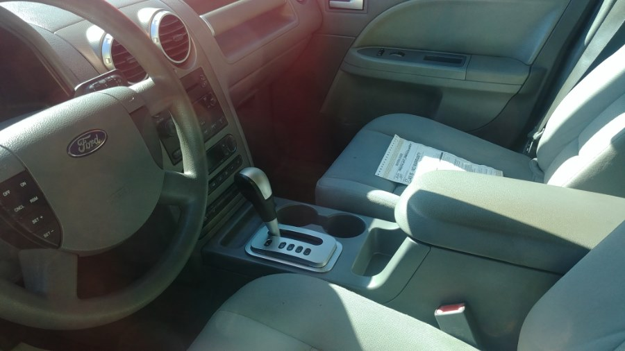 Used Ford Freestyle 4dr Wgn SE AWD 2005 | Classic Motor Cars. East Hartford , Connecticut