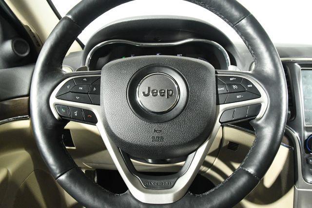 2017 Jeep Grand Cherokee Limited w/ Nav/ Sunroof photo