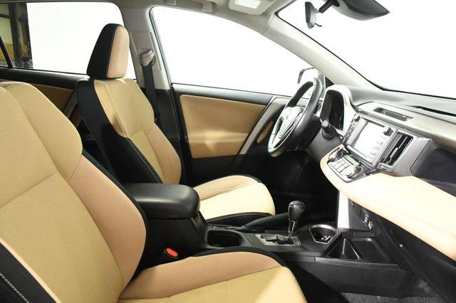 2017 Toyota RAV4 XLE photo