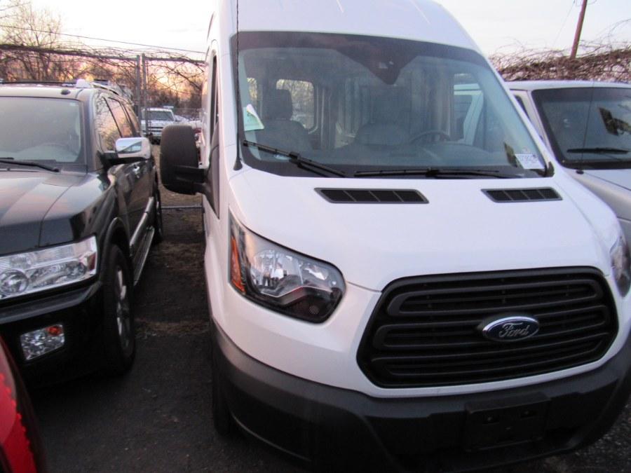 "Used Ford Transit Van T-250 148"" Hi Rf 9000 GVWR Sliding RH Dr 2019 | Deals on Wheels International Auto. Levittown, Pennsylvania"