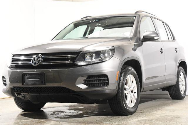 The 2016 Volkswagen Tiguan S photos