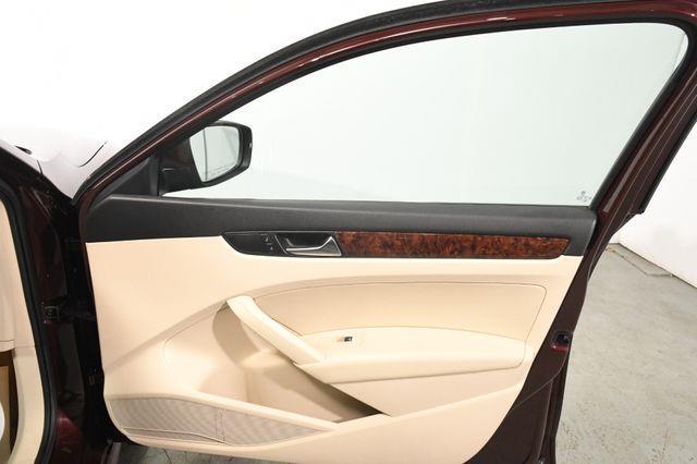2013 Volkswagen Passat TDI SEL Premium photo