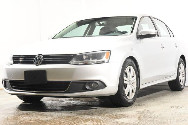 The 2011 Volkswagen Jetta TDI photos