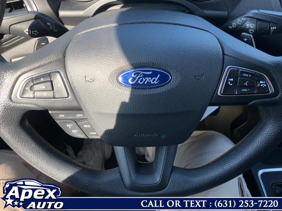 Used Ford Escape SE FWD 2017   Apex Auto. Selden, New York