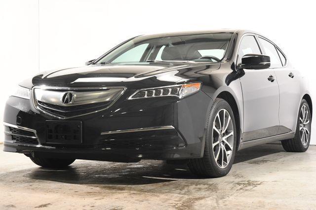 The 2017 Acura TLX SH-AWD Advanced photos