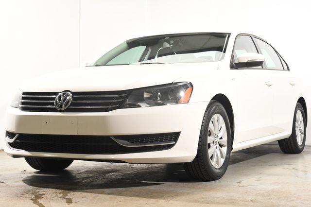 The 2015 Volkswagen Passat 4dr Sdn 1.8T Auto Wolfsburg Ed photos