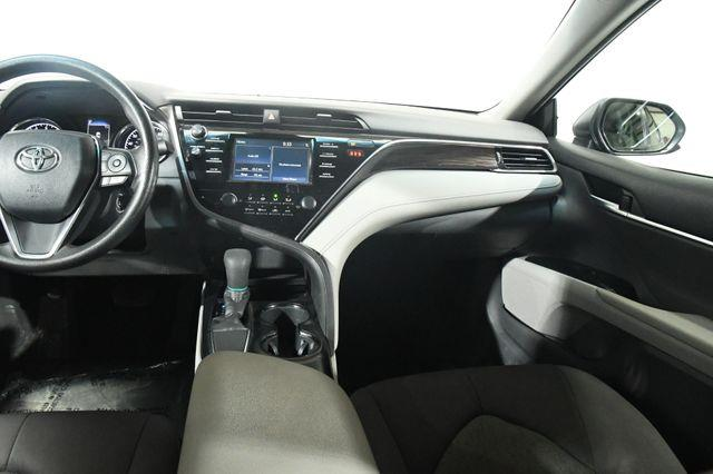2018 Toyota Camry LE photo