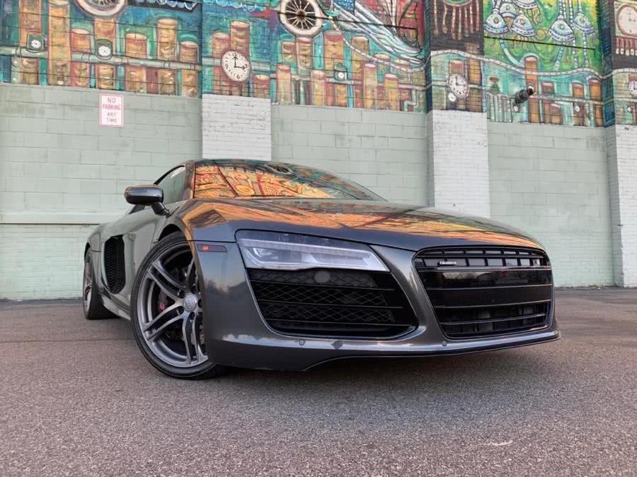 2014 Audi R8 5.2 quattro photo