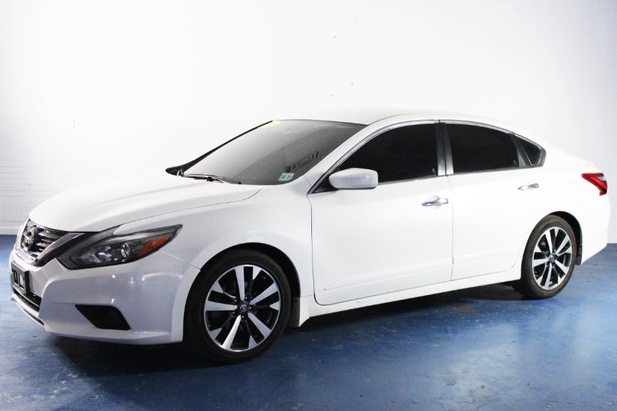 Used 2016 Nissan Altima in Newark , New Jersey | Icon World LLC. Newark , New Jersey