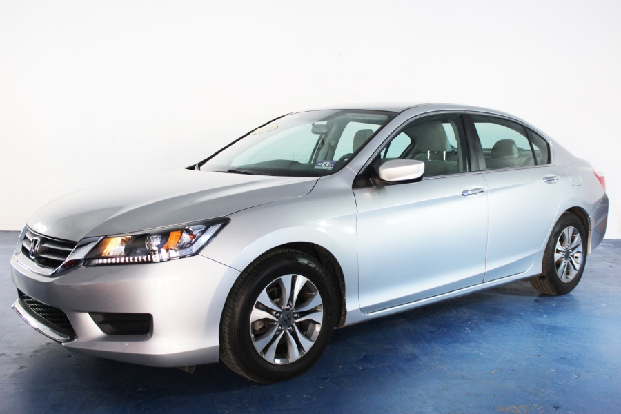 Used Honda Accord Sdn 4dr I4 CVT LX 2013 | Icon World LLC. Newark , New Jersey