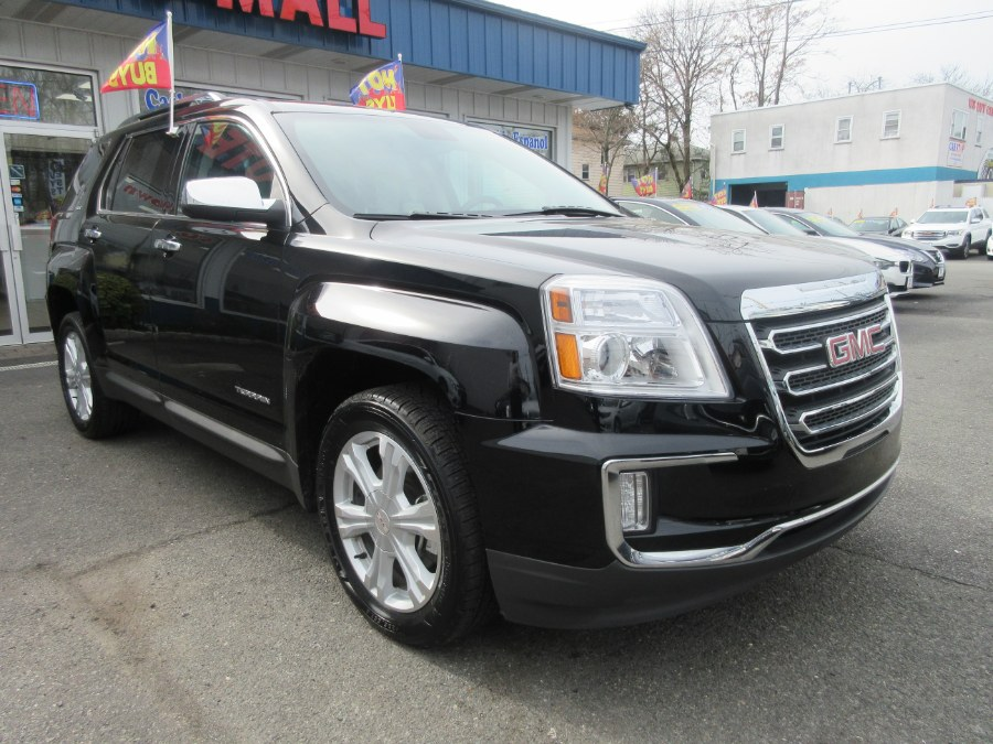 Used GMC Terrain FWD 4dr SLT 2017 | Route 27 Auto Mall. Linden, New Jersey