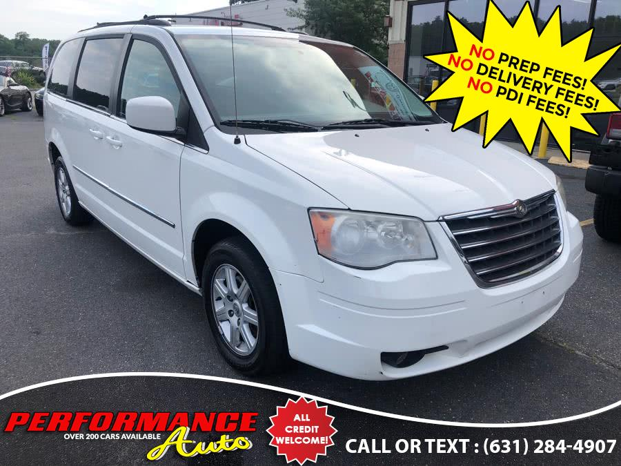 Used 2010 Chrysler Town & Country in Bohemia, New York | Performance Auto Inc. Bohemia, New York