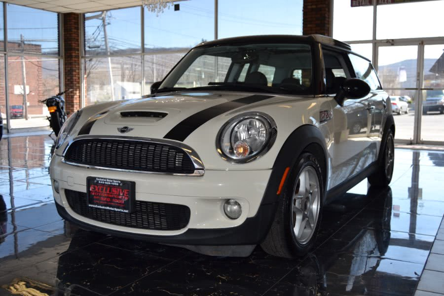 Used 2010 MINI Cooper Clubman in Central Valley, New York | Exclusive Motor Sports. Central Valley, New York