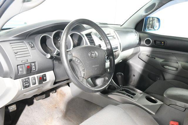 2011 Toyota Tacoma V6 photo