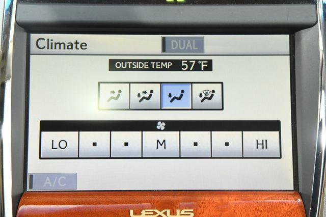 2010 Lexus ES 350 photo