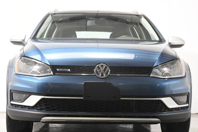 2017 Volkswagen Golf Alltrack SE photo
