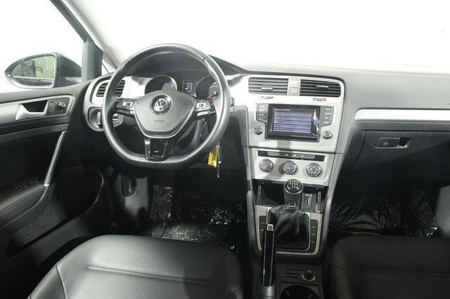 2015 Volkswagen Golf TDI S photo