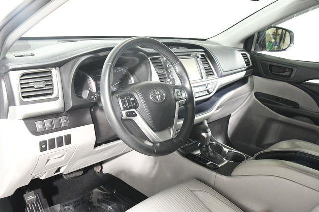 2018 Toyota Highlander LE Plus photo