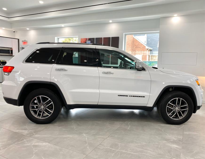 Used Jeep Grand Cherokee Limited 4x4 2017 | Luxury Motor Club. Franklin Square, New York