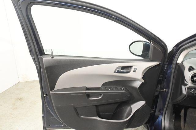 2016 Chevrolet Sonic LT photo