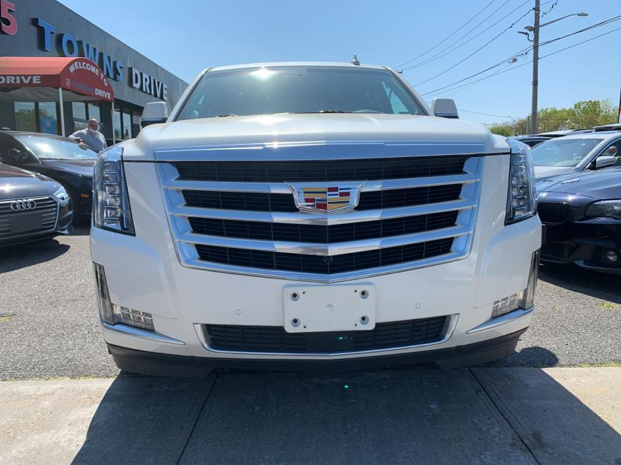 Used Cadillac Escalade 4WD 4dr Premium 2015 | 5 Towns Drive. Inwood, New York