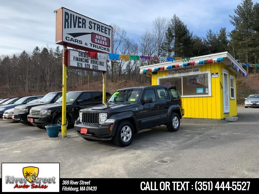 Used 2011 Jeep Liberty in Fitchburg, Massachusetts | River Street Auto Sales. Fitchburg, Massachusetts