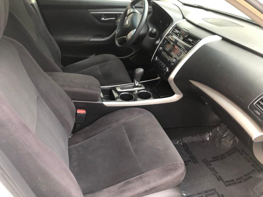 Used Nissan Altima 4dr Sdn I4 2.5 SV 2013 | Bristol Auto Center LLC. Bristol, Connecticut