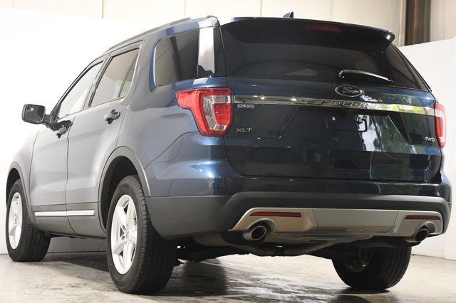 2017 Ford Explorer XLT photo
