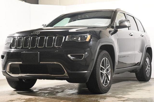 The 2017 Jeep Grand Cherokee Limited photos